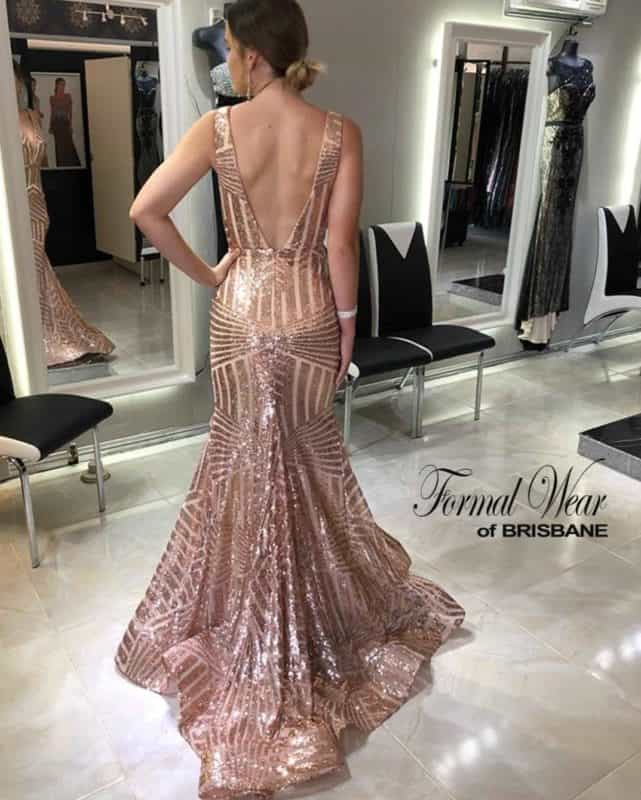 2767755e970a3 Evening dresses 2019: stunning trends and ideas for party dresses 2019