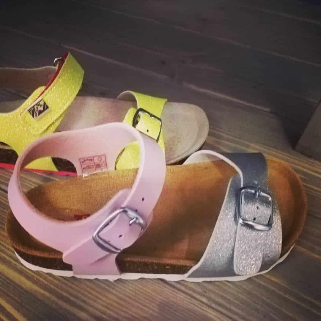 Comfy kids shoes 2022: sandals and flip-flops