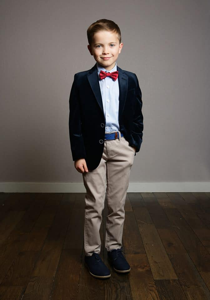 Velvet is widely used in kids clothes 2022