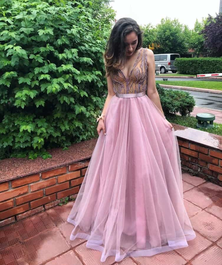 Top 8 Prom Dresses 2022: Colorful Palette for The Best Prom Dresses (53 photos)